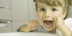 Kids Teeth Flossing: 5 Top Parents Questions